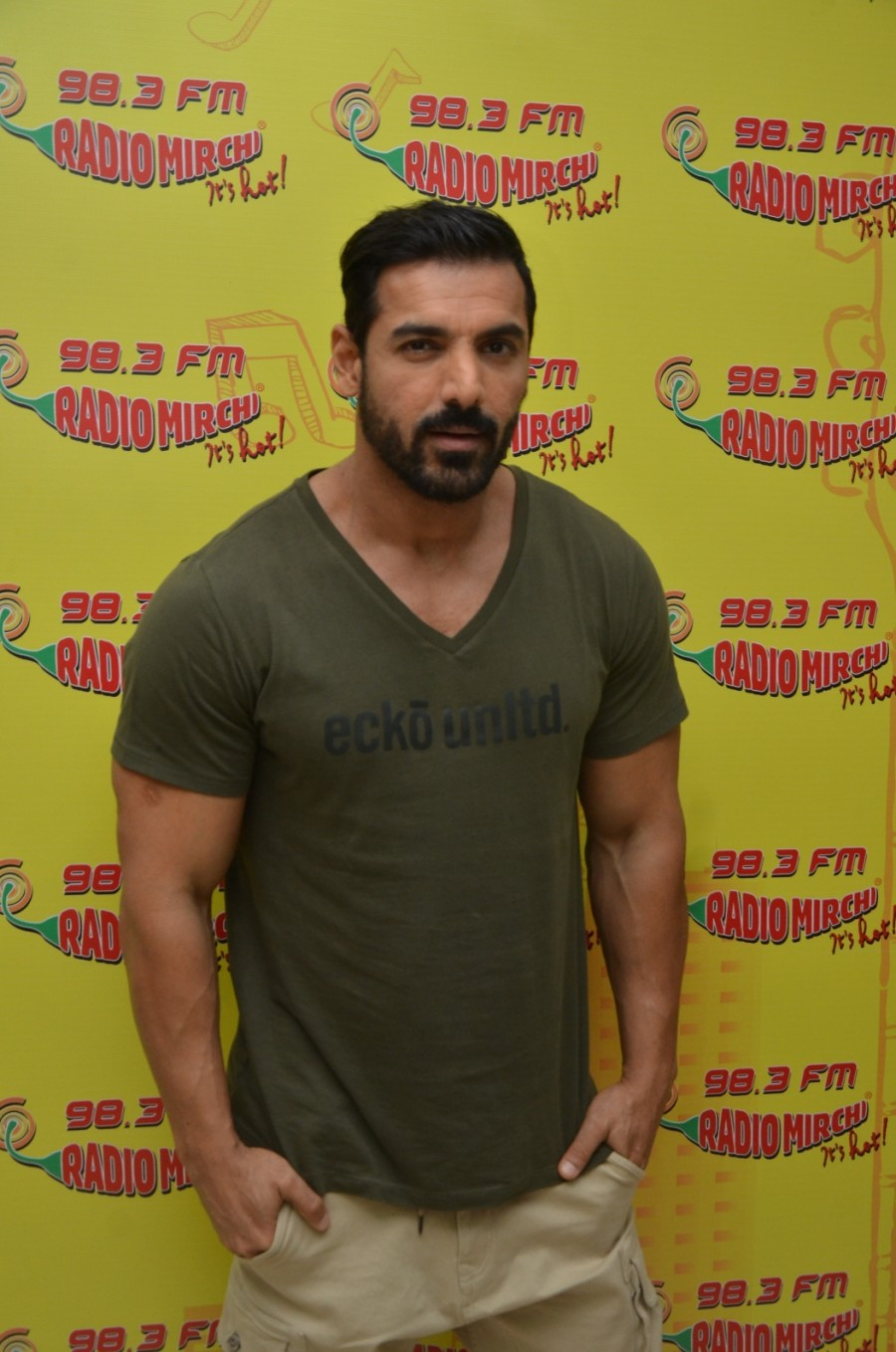 John Abraham,Sonakshi Sinha,John Abraham and Sonakshi Sinha,Force 2,Force 2 promotion,Force 2 movie promotion,John Abraham at Mirchi 98.3 studio,Sonakshi Sinha at Mirchi 98.3 studio
