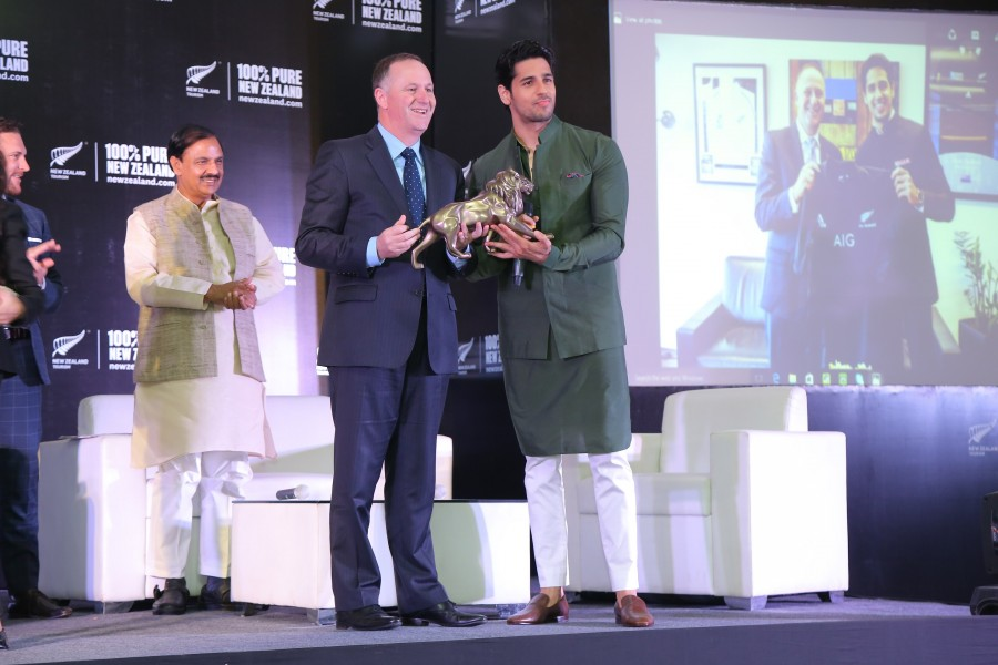Sidharth Malhotra,Prime Minister of New Zealand,New Zealand Prime Minister,John Key MP,Sidharth Malhotra pics,Sidharth Malhotra images,Sidharth Malhotra stills,Sidharth Malhotra pictures