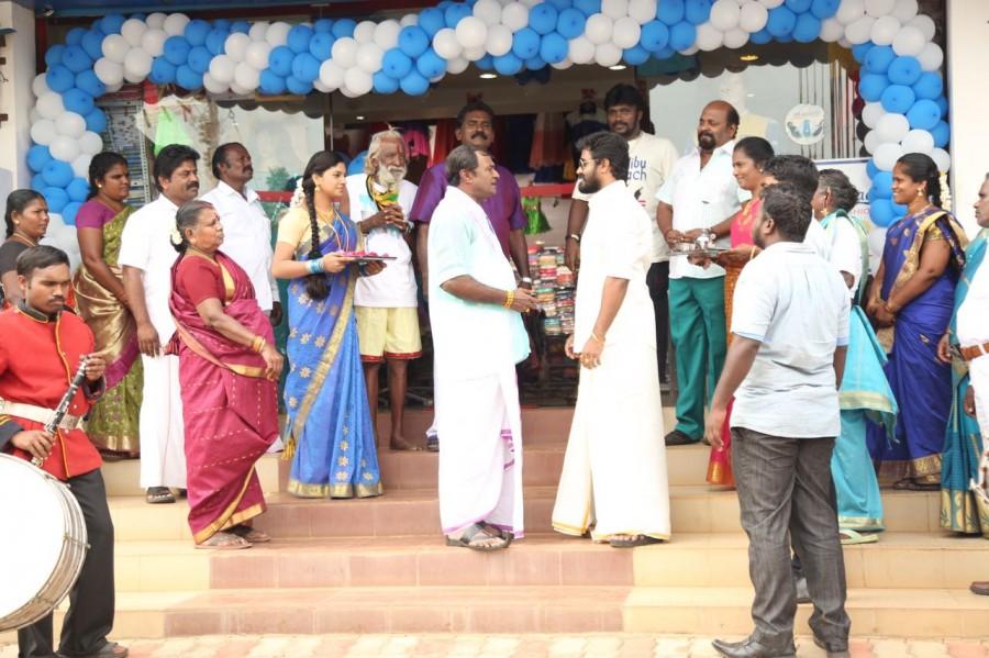 Padhungi Paayanum,Padhungi Paayanum on the sets,Padhungi Paayanum working stills,SA Chandrasekhar,Moses Muthupandi,MS Bhaskar,Vela Ramamurthy