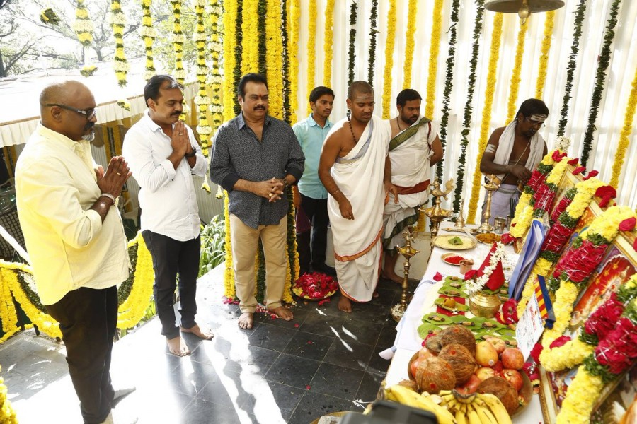 Mahesh Babu and Koratala Siva,Mahesh Babu,Koratala Siva,Mahesh Babu new movie launch,Koratala Siva new movie launch,Namrata,Mahesh Babu wife,Mahesh Babu wife Namrata