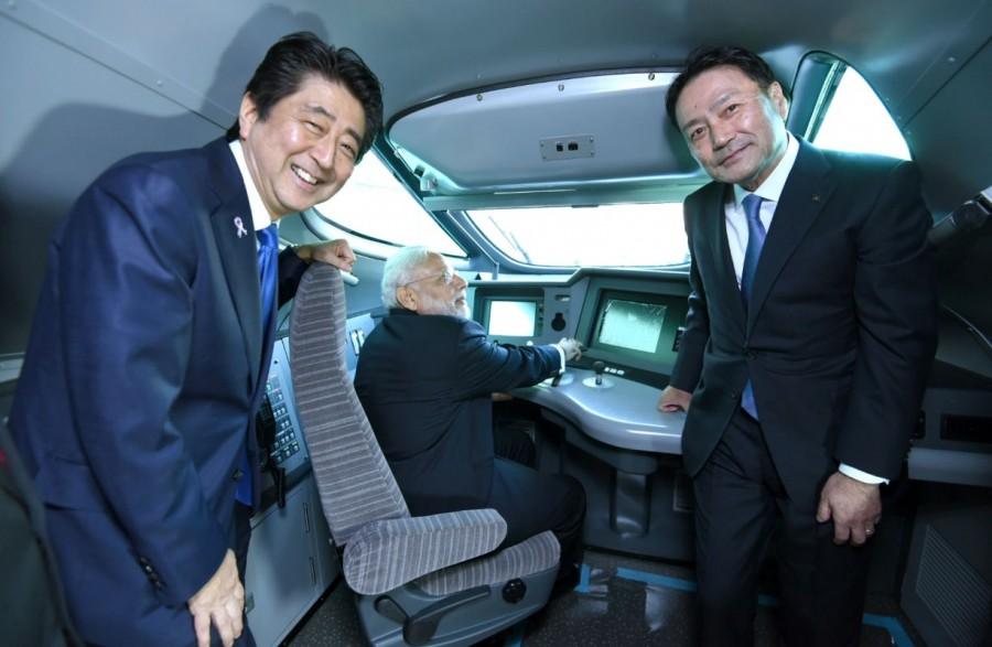 PM Narendra Modi,Narendra Modi,Modi visits Kawasaki,Modi visits Kawasaki Heavy Industries Plant,Kawasaki Heavy Industries Plant,Shinzo Abe,Prime Minister of Japan Shinzo Abe