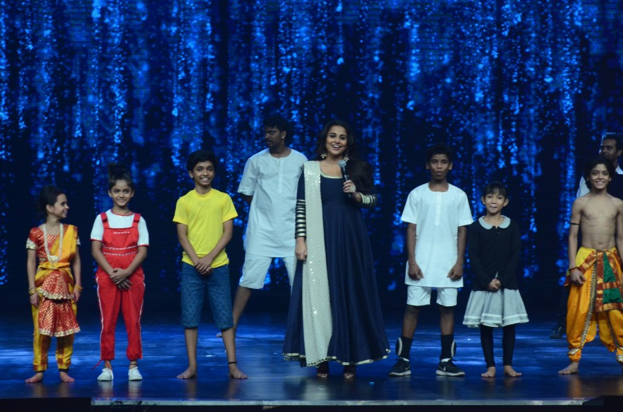 Vidya Balan promotes Kahaani 2,Vidya Balan,Kahaani 2,Kahaani 2 on the sets of Super Dancer,Super Dancer,Shilpa Shetty,India's Super Dancer,Vidya Balan on the sets of Super Dancer