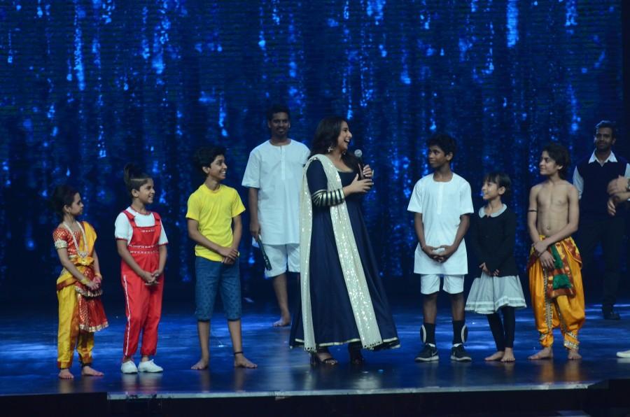 Vidya Balan promotes Kahaani 2,Vidya Balan,Kahaani 2,Kahaani 2 on the sets of Super Dancer,Super Dancer,Shilpa Shetty,India's Super Dancer,Vidya Balan on the sets of Super Dancer