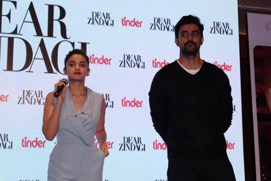 Alia Bhatt,Kunal Kapoor,Tu Hi Hai,Tu Hi Hai song,Dear Zindagi,Dear Zindagi songs,Alia Bhatt and Kunal Kapoor