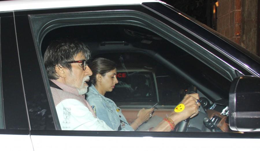 Amitabh Bachchan,Amitabh Bachchan car driving,Amitabh Bachchan driving,Amitabh Bachchan at Juhu,Amitabh Bachchan latest pics,Amitabh Bachchan latest images,Amitabh Bachchan latest photos,Amitabh Bachchan latest stills,Amitabh Bachchan latest pictures