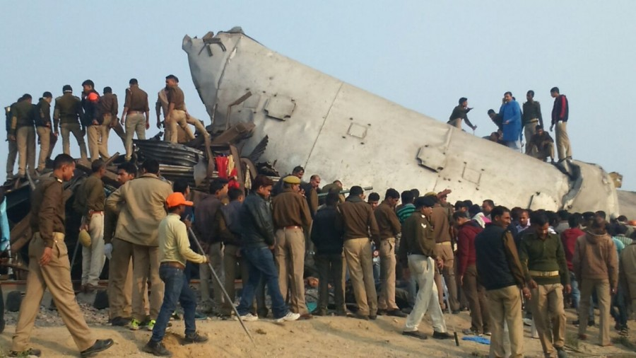 Patna-Indore Express,Patna-Indore Express train,Patna-Indore Express train derails,train derails,Kanpur