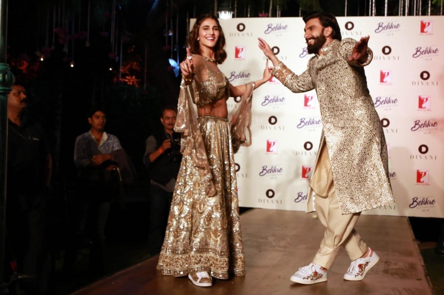 Ranveer Singh and Vaani Kapoor,Ranveer Singh,Vaani Kapoor,Divani Fashion Show,Divani Fashion Show event,Ranveer Singh and Vaani Kapoor at Divani Fashion Show,Divani Fashion Show pics,Divani Fashion Show images,Divani Fashion Show photos,Divani Fashion Sho