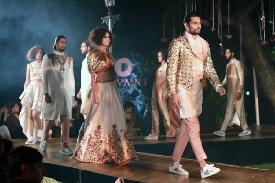Ranveer Singh and Vaani Kapoor,Ranveer Singh,Vaani Kapoor,Divani Fashion Show,Divani Fashion Show event,Ranveer Singh and Vaani Kapoor at Divani Fashion Show,Divani Fashion Show pics,Divani Fashion Show images,Divani Fashion Show photos,Divani Fashion Sho