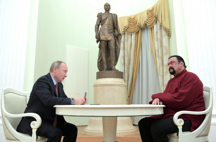 Vladimir Putin,President Vladimir Putin,Putin,Steven Seagal,actor Steven Seagal,US actor Steven Seagal,Russian passport to US actor Steven Seagal