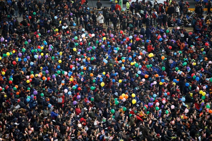 Massive protests against South Korea,Massive protests against president,protests against president,Park Geun-hye,president Park Geun-hye