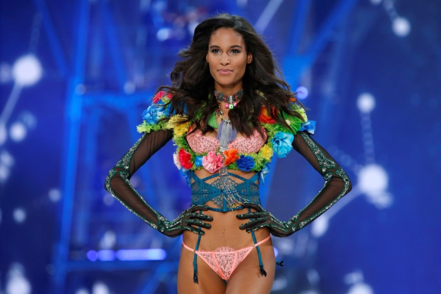 Victoria's Secret Fashion Show,Victoria's Secret Fashion Show 2016,Victoria Secret Fashion Show,Models at Victoria Secret Fashion Show,bikini fashion show,bikini show,fashion show