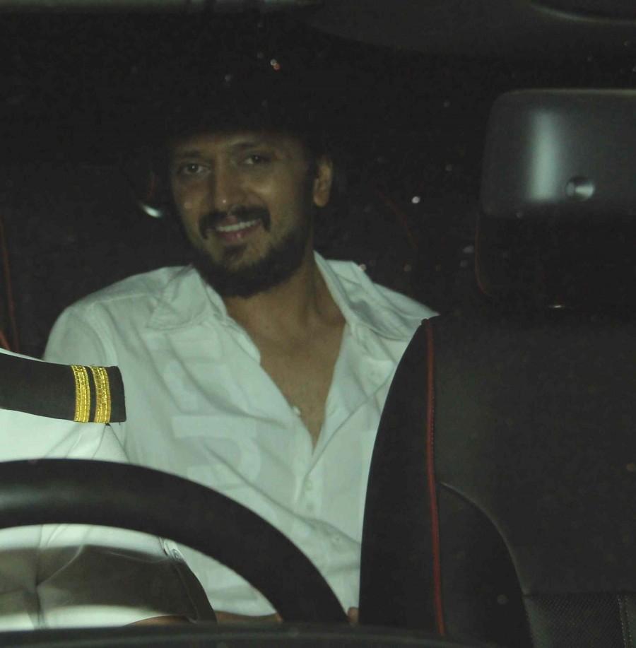 Riteish Deshmukh,Genelia D'Souza,Gauri Khan,Soha Ali Khan,house party,Karan Johar,photos