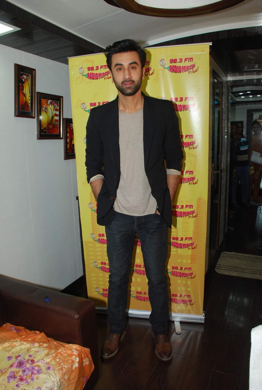 Ranbir Kapoor,Bombay Velvet,anushka sharma,film promotion,Radio Mirchi,photos