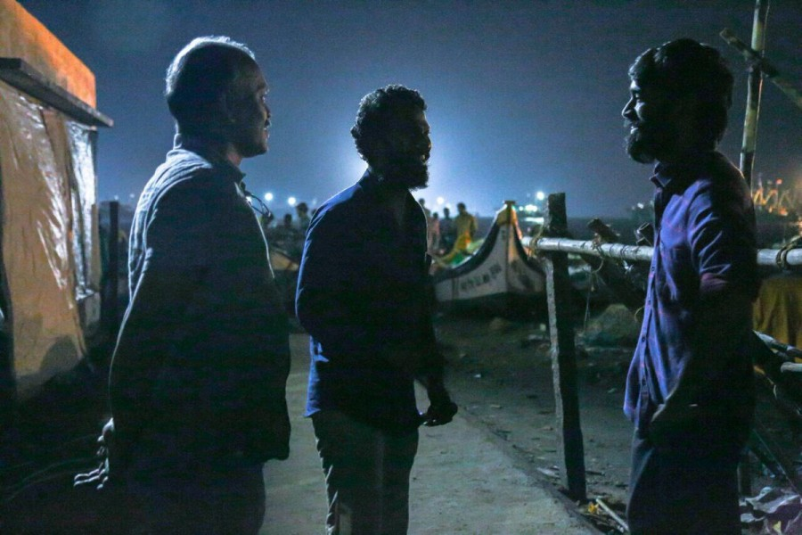 Dhanush,actor Dhanush,Vada Chennai,Vada Chennai on the sets,Vada Chennai pics,Vada Chennai images,Vada Chennai stills,Vada Chennai pictures,Vada Chennai photos
