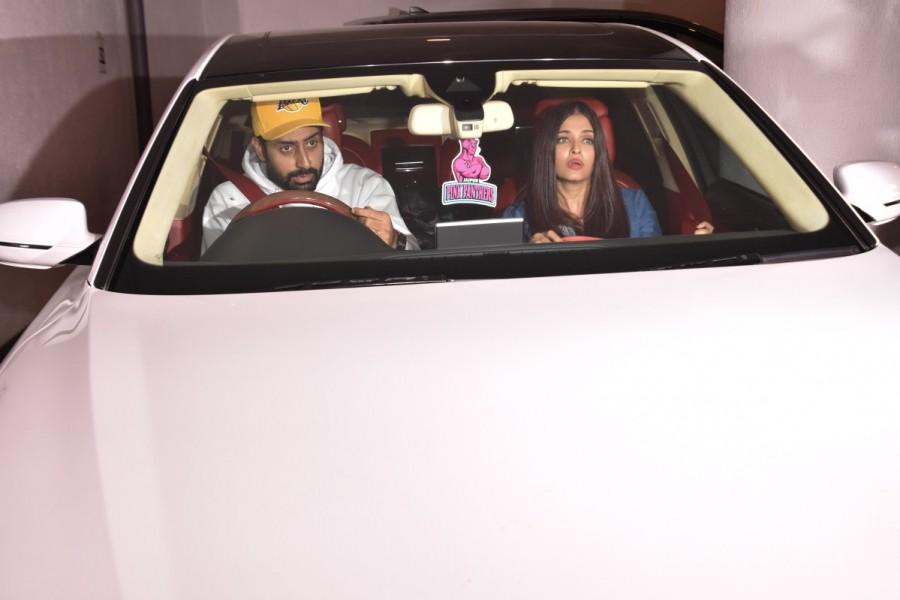 Abhishek Bachchan and Aishwarya Rai,Abhishek Bachchan,Aishwarya Rai,Aishwarya Rai Bachchan,Karan Johar,Manish Malhotra,Manish Malhotra dinner party,Aishwarya Rai and Manish Malhotra,Aishwarya Rai oops,Aishwarya Rai oops MOMENT,Aishwarya Rai oops MOMENT pi