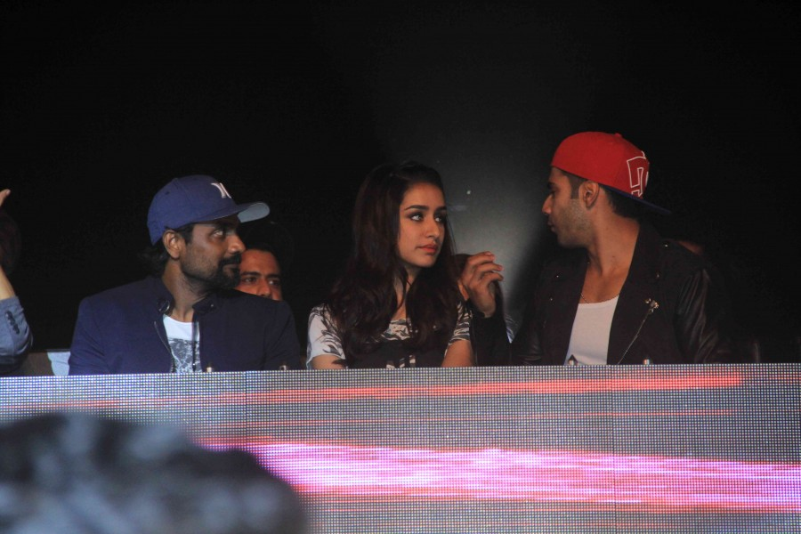 ABCD 2,ABCD 2 promotions,varun dhawan,Shraddha Kapoor,remo d'souza,all india dance competition 2015