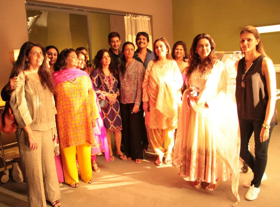 Juhi Chawla, Nita Ambani, Mahesh Babu, Namrata Tour Nagarjuna's Annapurna Studios