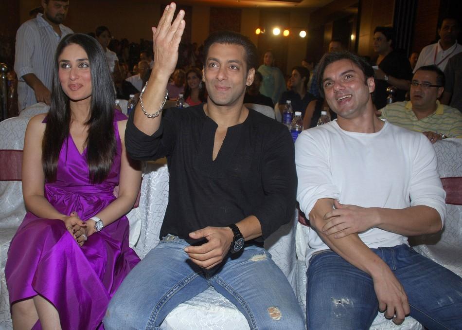 Bollywood actors Kareena Kapoor (L), Salman Khan (C) and Sohail Khan