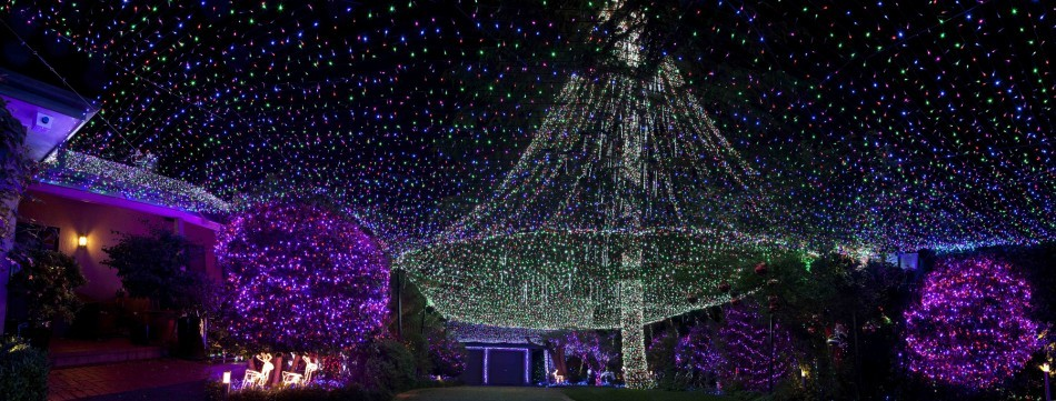 Guinness World Record for Most Christmas Lights on a Property