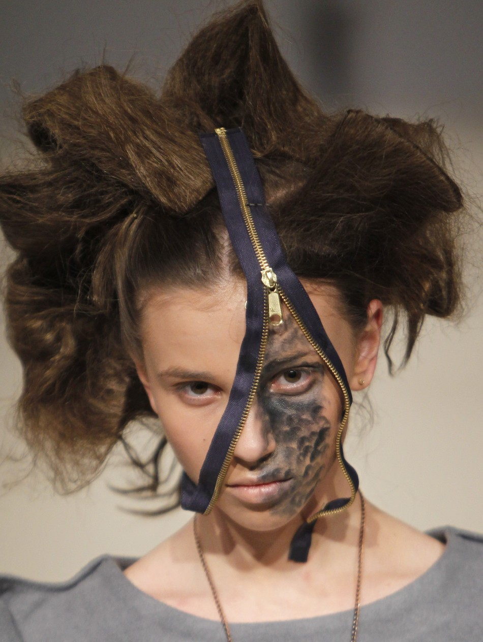 Fashion Victim: Latest Bizarre Fashion Costumes Around The World
