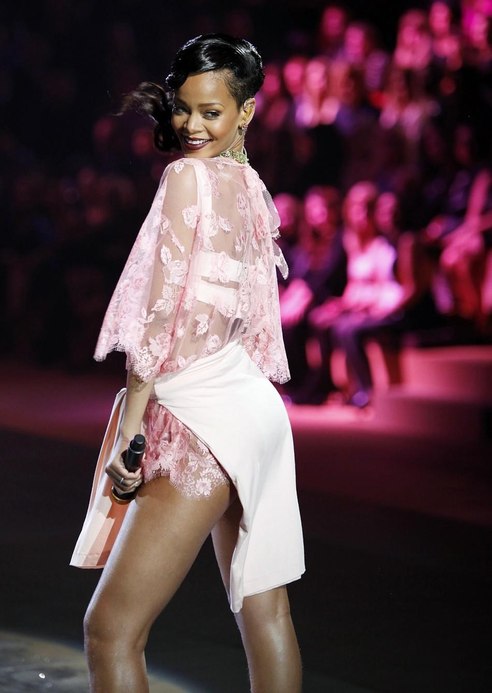 Rihanna, Victoria's Secret Fashion Show