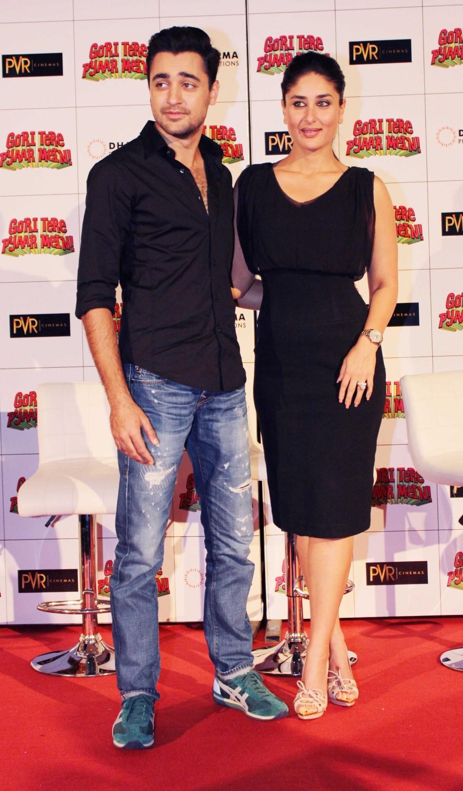 Kareena Kapoor and Imran Khan at Gori Tere Pyaar Mein Event ( Varinder Chawla)