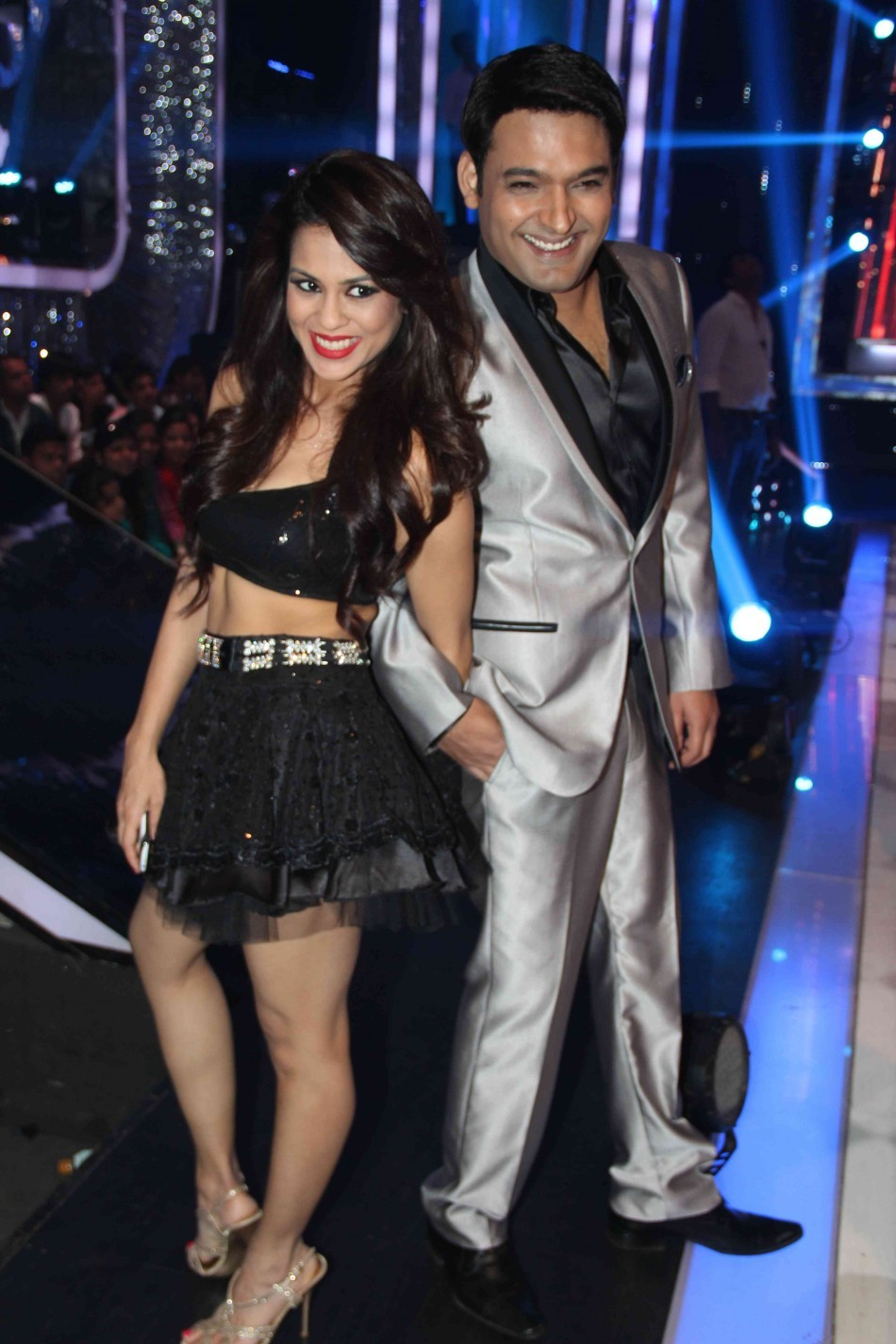 Show host Kapil with contestant Sana Saeed (photo Varinder Chawla)