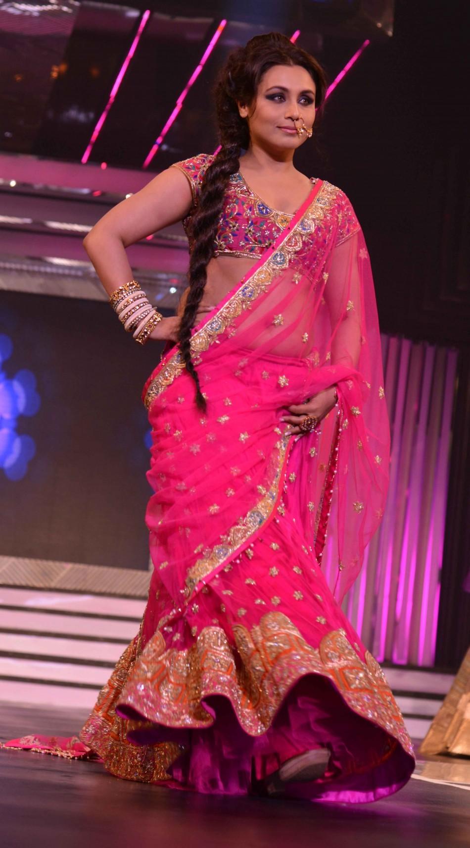 Rani Mukherji seen her in pink lehnga (varinder chawla)
