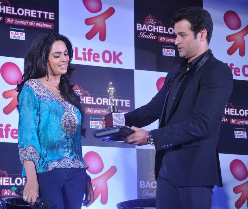 Mallika Sherawat,Rohit Roy