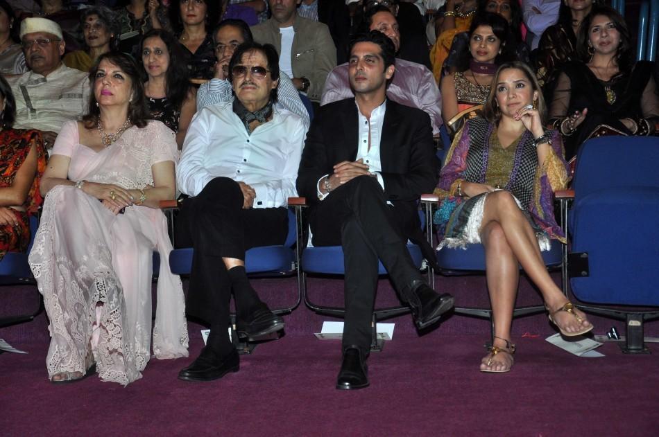 Sanjay Khan,Zarine Khan ,Zayed Khan,Malaika Parekh