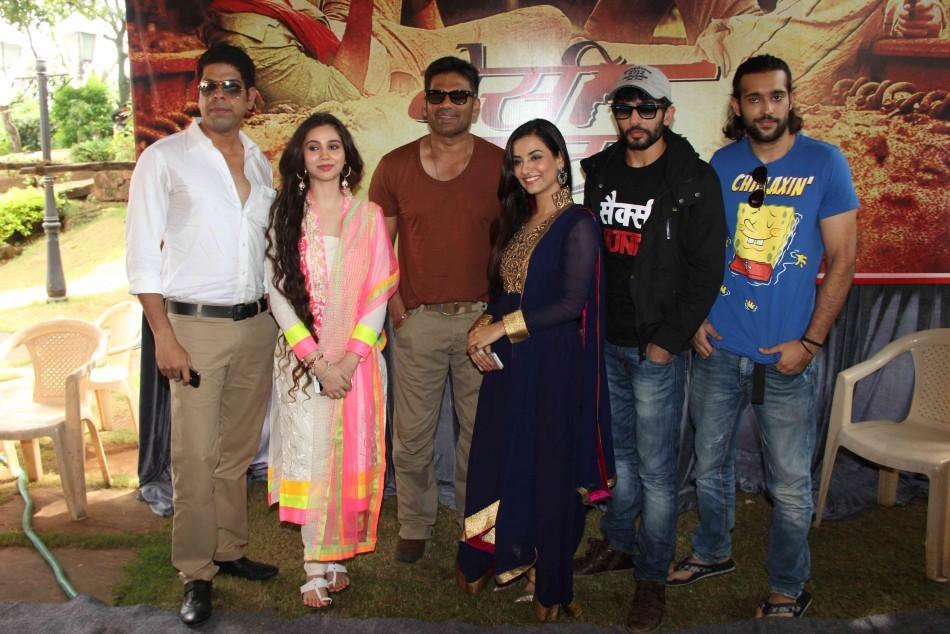 Tia Bajpai ,Sahsa Agha ,Jay Bhanushali, Suniel Shetty,Murli sharma