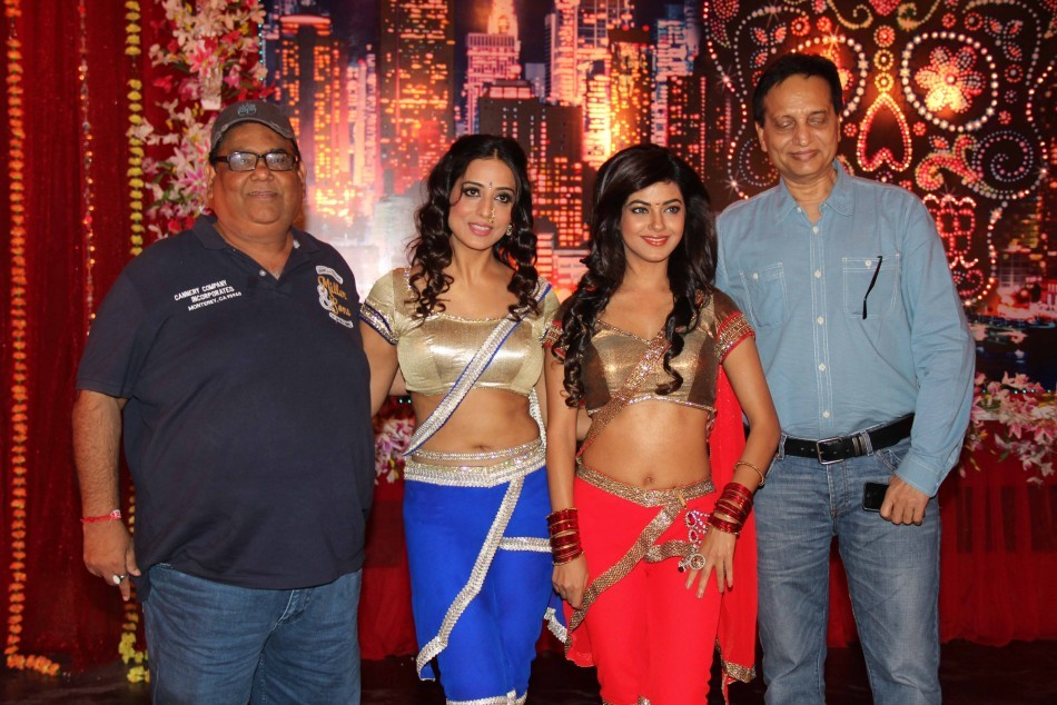 Mahi Gill, Satish Koushik, ,Meera Chopra