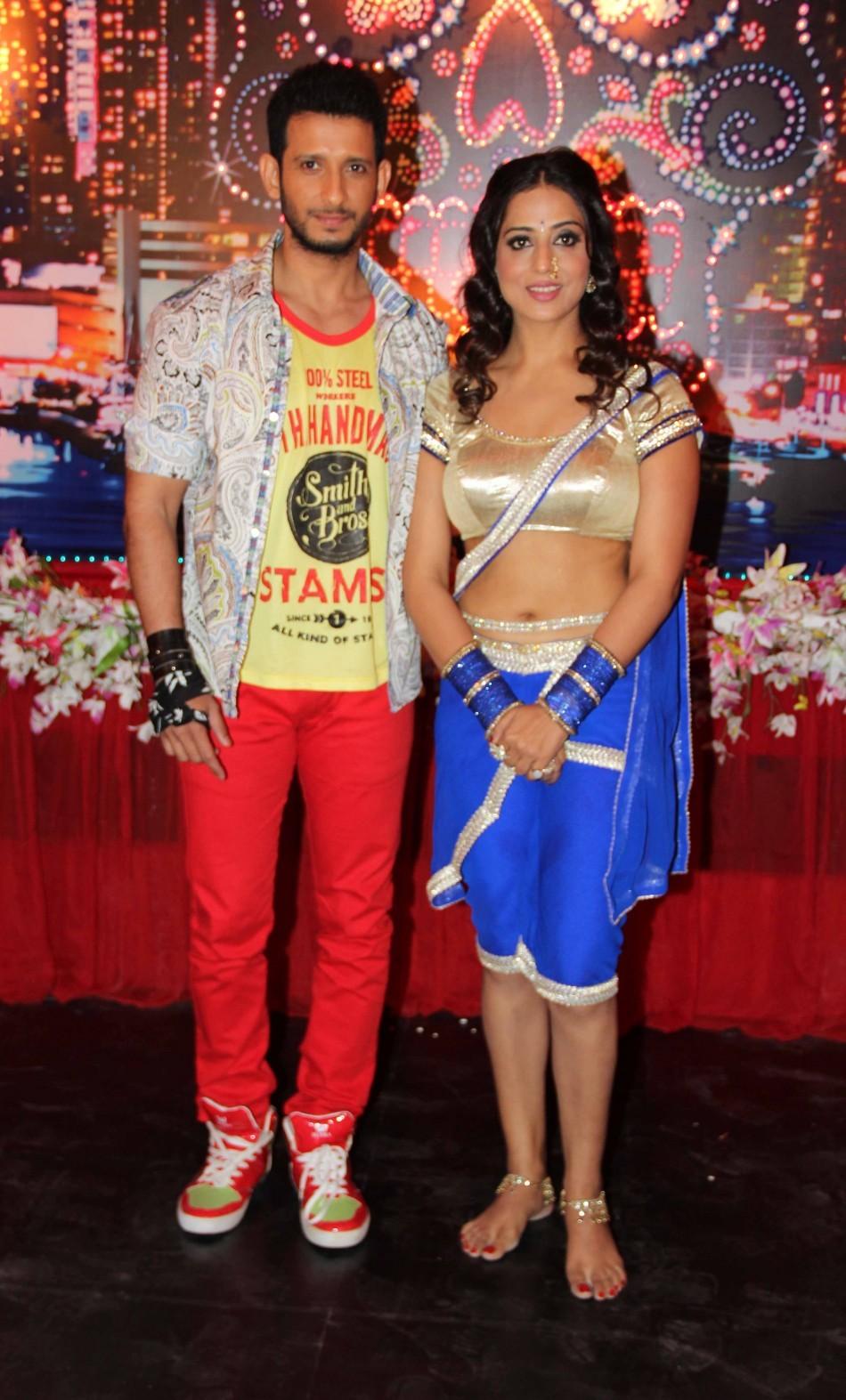 Sharman Joshi,Mahi Gill
