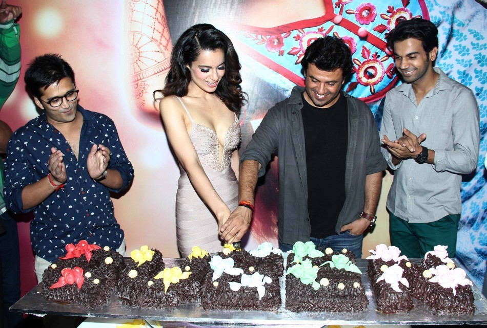 Kangna Ranaut and her taem celebrates the sucess of their film 'Queen'