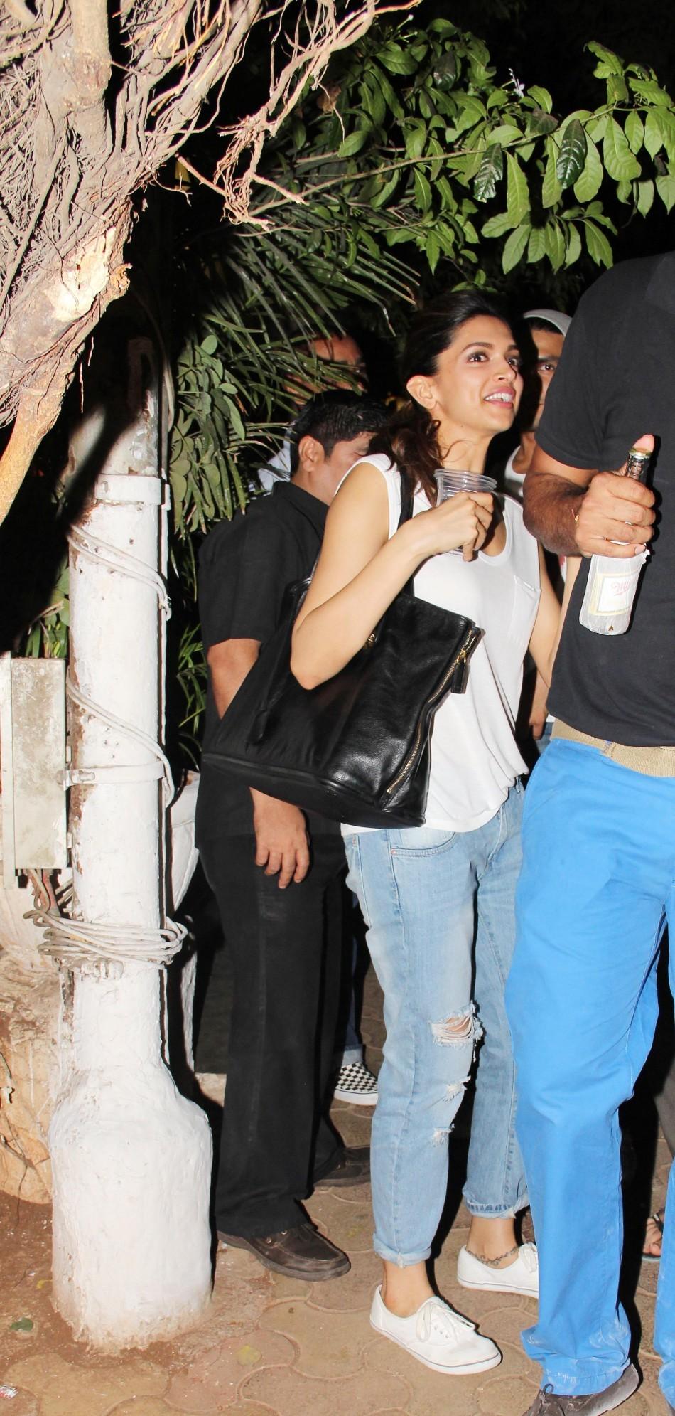 Ranveer Singh and Deepika Padukone snapped at Oliver bar