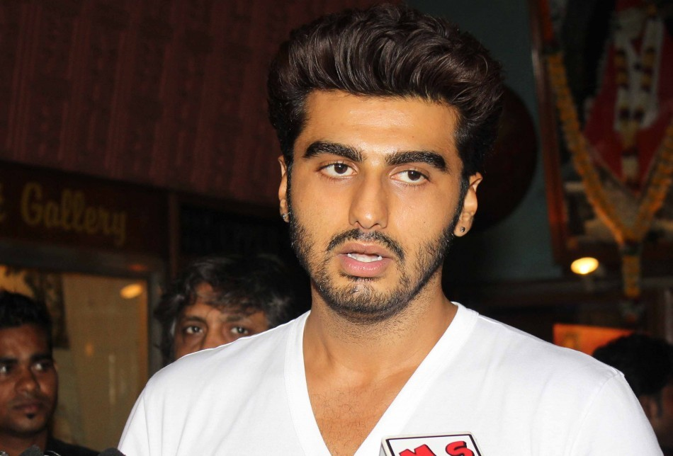 Arjun Kapoor Promotes '2 States' At Gaiety Galaxy Theatre