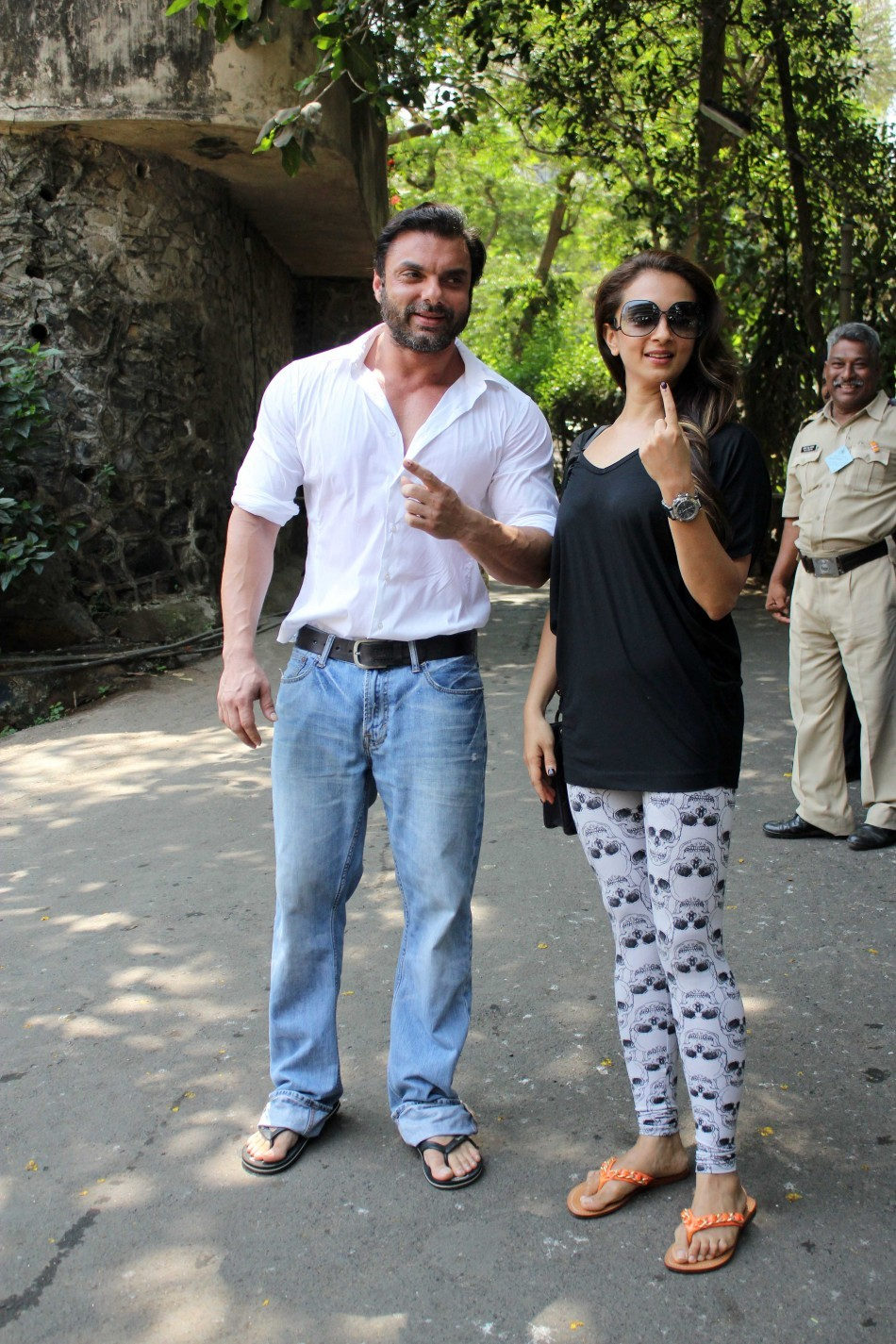 Bollywood celebrities cast their vote for Lok Sabha Election