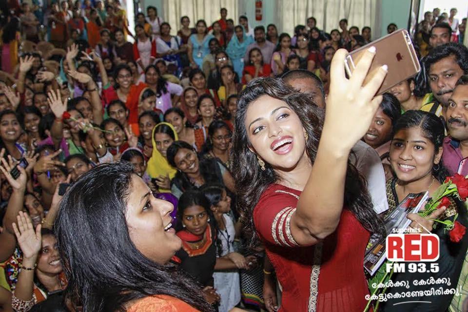 Amala paul,Amala paul selfies,Amala paul actress,Amala paul photos,Amala paul upcoming films,mohanlal,Laila o laila