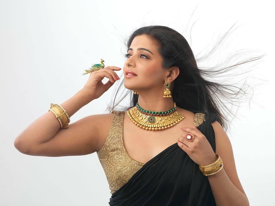 Priyamani,Priya mani,Priyamani photos,Priyamani latest,Priyamani modelling,Priyamani D4 dance