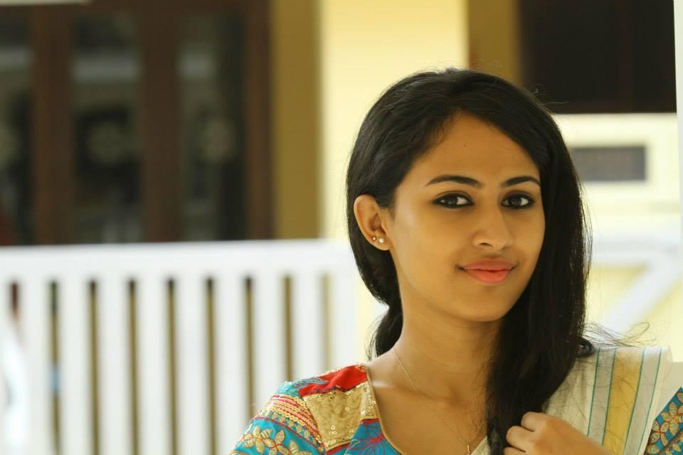 Kohinoor Malayalam Full Movie - Review videos - IndiaGlitz.com