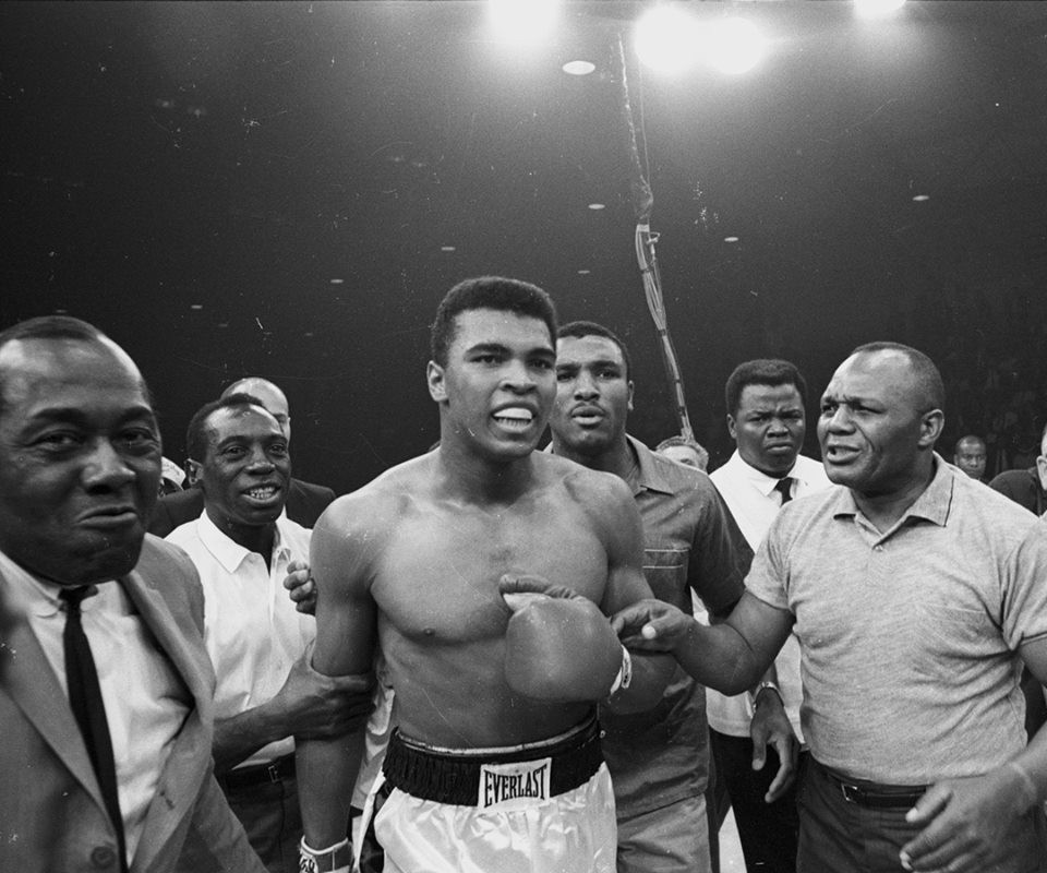 Muhammad Ali,muhammad ali dead,Muhammad Ali dies,Muhammad Ali died,Muhammad Ali passes away,boxing champion Muhammad Ali,Former world heavyweight boxing champion Muhammad Ali,heavyweight boxing champion Muhammad Ali,Muhammad Ali pics,Muhammad Ali images,M