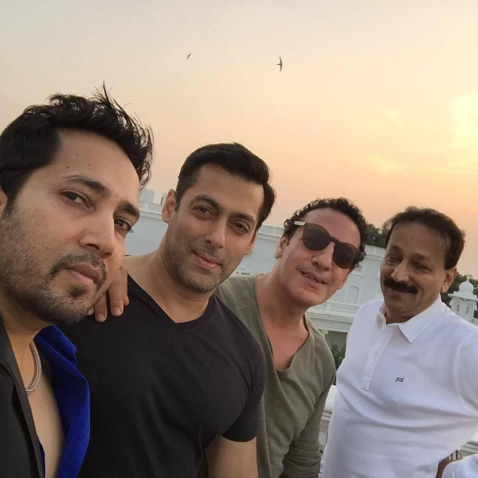 Salman Khan With His Friends