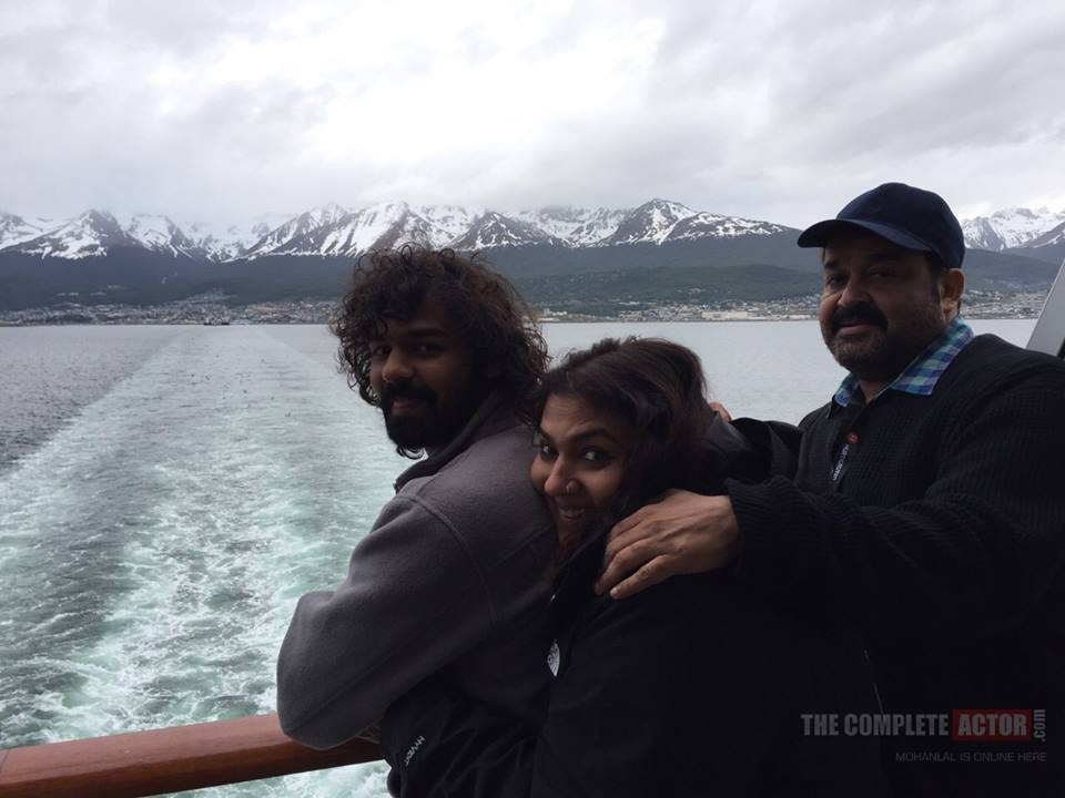 Mohanlal, Pranav and Suchithra in Antarctica