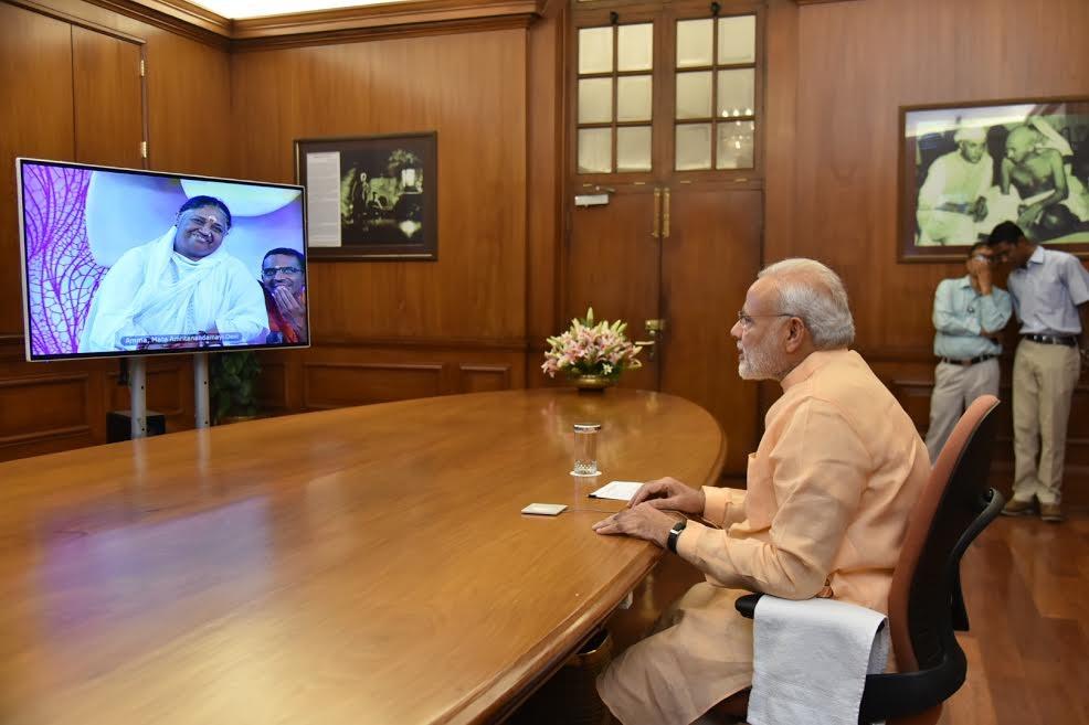 Narendra Modi,Modi,Mata Amritanandamayi,Amma,Modi interacts with Mata Amritanandamayi,Modi interacts with Amma,Modi and Mata Amritanandamayi,Modi and Amma