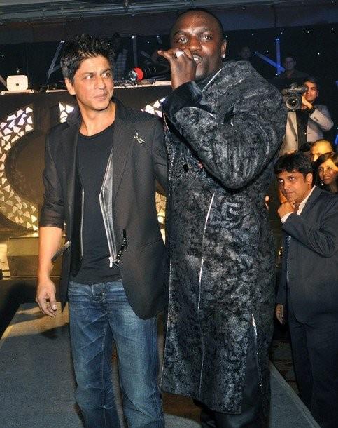 IPL 6: SRK to Get Akon to Sing KKR's Anthem 'Korbo, Lorbo' in Bengali