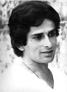 an-old-picture-of-yesteryears-bollywood-actor-shashi-kapoor-image-facebook