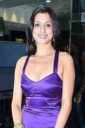 Shilpa Saklani Height, Weight, Age, Husband, Affairs & More ...