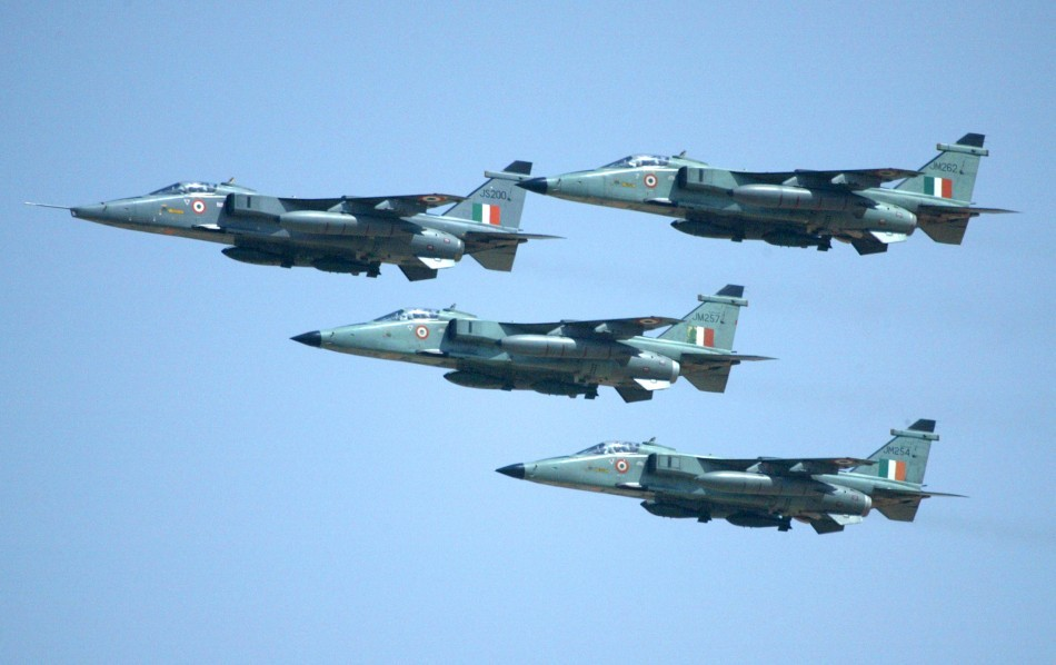indian airforce Top air force jobs for 10th, 12th, graduates and post graduated announced by indian air force for short service commissioned officer and.