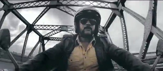 """Suriya (Screenshot from official """"Singam 2"""" teaser)"""