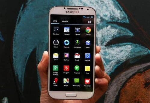 Android 5.0 Lollipop Update; Samsung Galaxy S4 GPE Finally Tastes The Lollipop